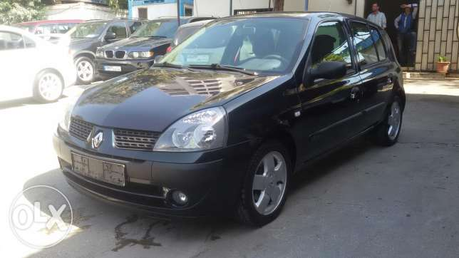 Clio 2006 hatchaback manual perfect condition