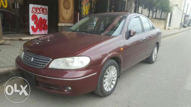 Nissan sunny Ex saloon classic model: 2009 made in Japan