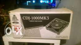 2 machine cdj 1000 Mk3 used like new in very good condition