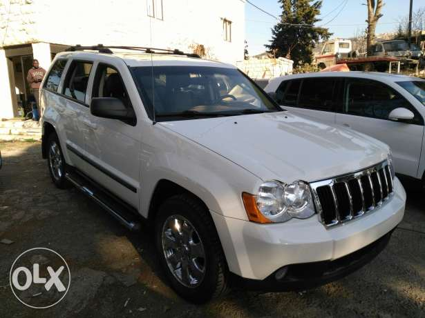 jeep grand chirockee 2008 _8 cylinder 4'7 clean carfax عاليه -  8