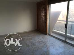 Ein Teeneh: 350m apartment for sale