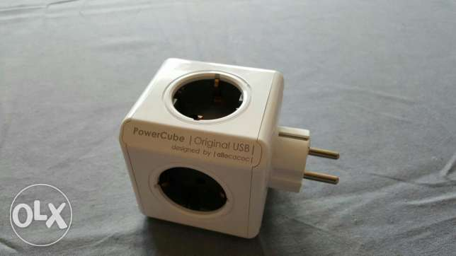 Power cube (4 ports) + USB power (2 ports)