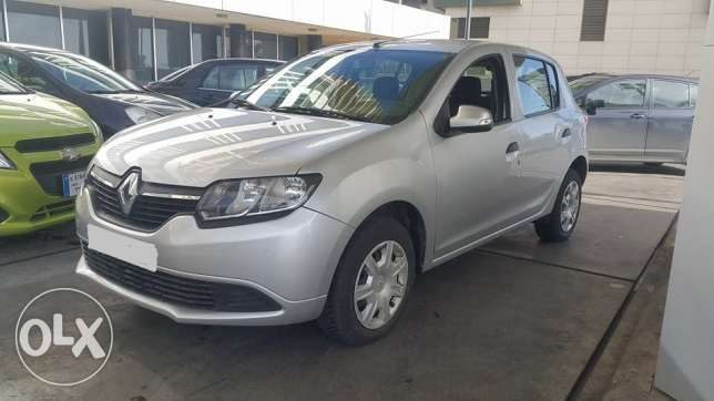 Renault Sandero(2013 Vitesse Manual 300 Bel Tanke)excellent New Look