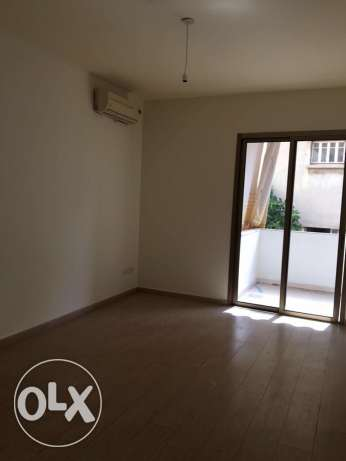 Ein Mrayseh: 220m apartment for rent ميناء الحصن -  1