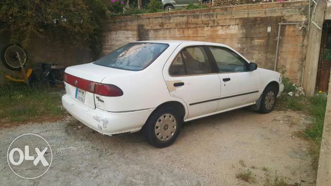 Nissan sunny saloon ex for sale