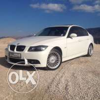 BMW 325i 2006 White on Black
