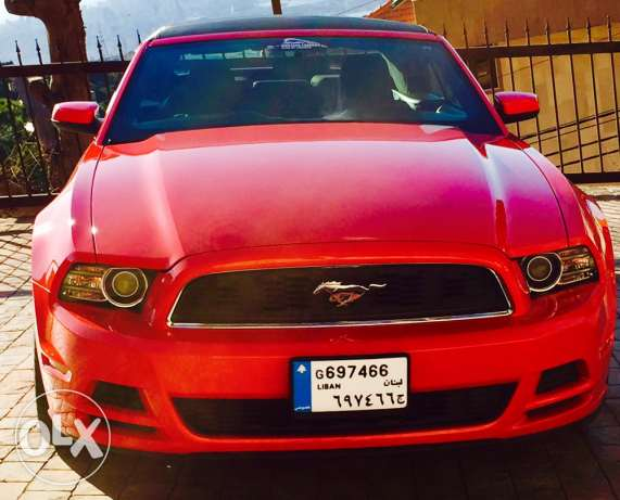 Ford Mustang 2014 like new full.
