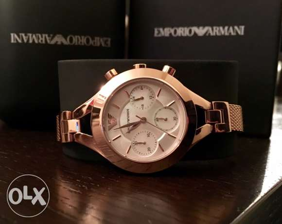 The new Rose Gold Authentic EA watch for women