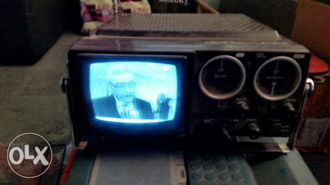Very old Portable tv + radio( japan)