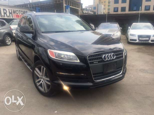 Audi Q7 2008 Black Premium Package Fully Loaded Like New!