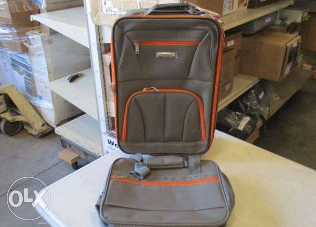Rockland Luggage Expandable Spinner Carry On