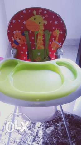 3 items for low price high chair + marche bebe + plastic washing tub