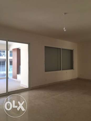 Sanayeh: 250m apartment for rent.