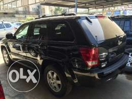 Jeep Grand Cherokee Laredo 4x4 black ajnabieh clean carfax