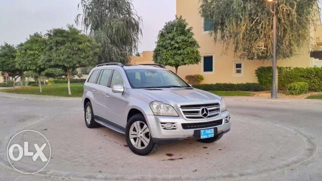 Mercedes GL450 4matic 2009 7sts , 105000 km NOT Miles . Dubai import