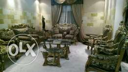 Fancy Gold Sheeted Salon Furniture & Table