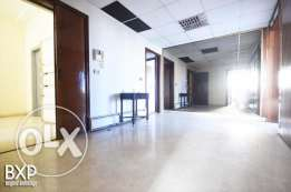 300 SQM Apartment for Rent in Beirut, Ramlet al Baydah AP5268