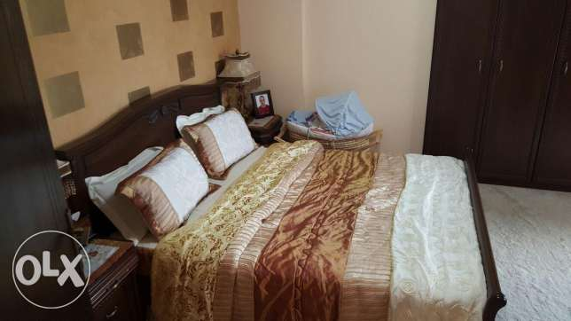 Beds, night stand and dresser for sale in perfect condition منصورية -  2