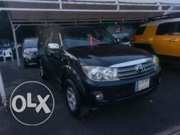Toyota fortuner 2009 black as new