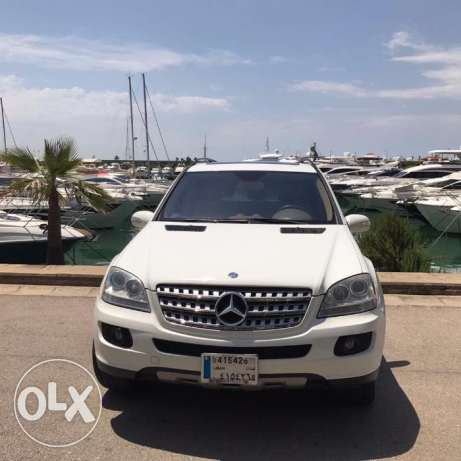 ML350 Excellent condition, lady driven,No accidents, full option