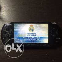 Psp 3004 + charger+ 8 GB memory card that has cfw game