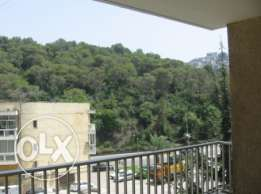 "280 sqm apartment with ""VIEW"" for rent in Baabda"