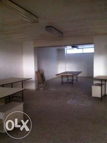 RA84, Warehouse for rent in Sin El Fil, 200 sqm.