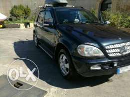 ML320 model 2003 in mint condition