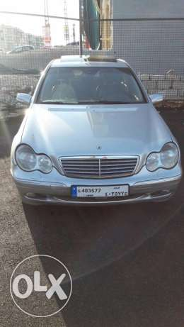 mercdes c320 model 2003 super clean