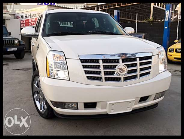 Cadillac Escalade Pearl White 2009 Luxury Package Top of the Line!