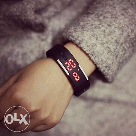 Men's Women's Silicone Red LED Sports Bracelet Touch Watch 5000L.L حارة حريك -  1
