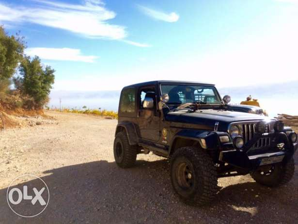 Modified Jeep Wrangler (for off-roading)