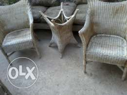 Salon 5 chairs and Table, natural Bamboo, good condition