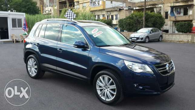 Volkswagen tiguan blue and black leather 2011 أشرفية -  3