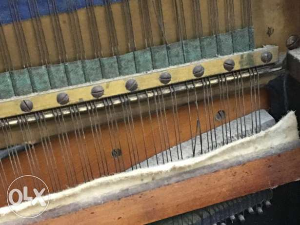 vintage piano uk made in united king dom بنانو صناعة بريطاني قديم 120 كيفون -  1