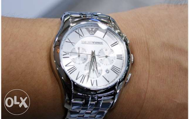 The most elegant white silver Armani watch (assliye ma3 kafeleta)