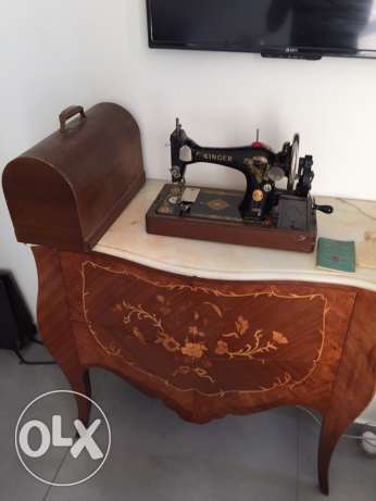 Antique Singer Machine 128K