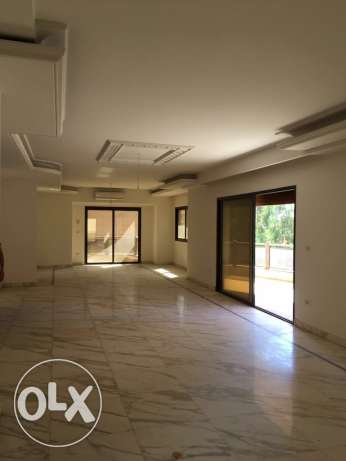 Ramleh Bayda: 420m apartment for rent