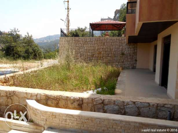 165 m2 apartment having 60 m2 garden & 60 m2 terrace for sale in Rabwe