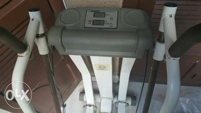 Aerobatron elliptical machine أشرفية -  2