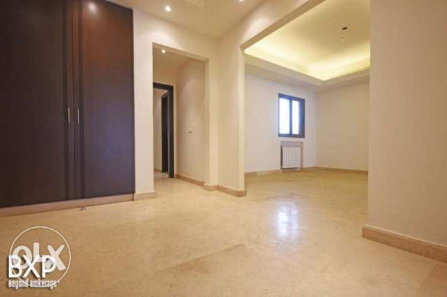 270 SQM Apartment for Rent in Beirut, Sioufi AP6119