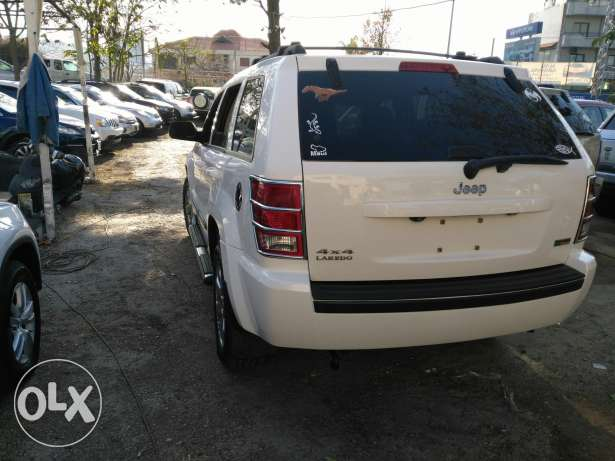 jeep grand chirockee 2008 _8 cylinder 4'7 clean carfax عاليه -  3