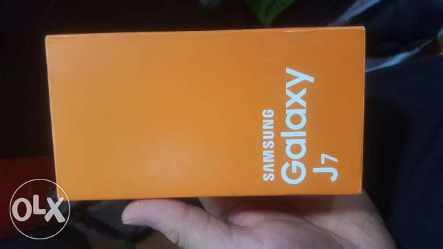 galaxy J7 still new used for few hours for sale الشياح -  4