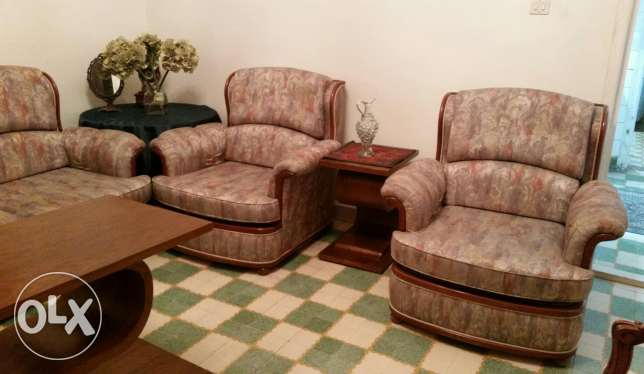 Salon 3seater and 4 single chairs