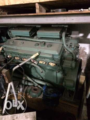 2 used clean 12 v71 no turbo marine engines