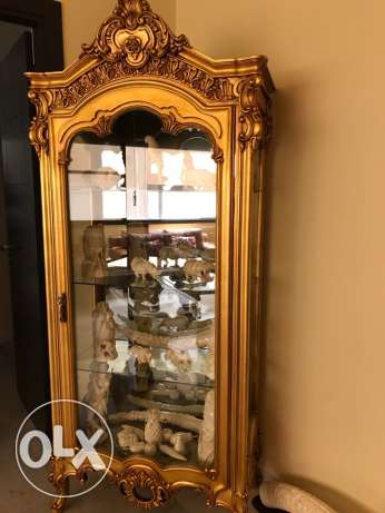 antique vitrine
