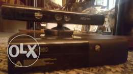 Xbox 360 super slim +2 controllers +kinect