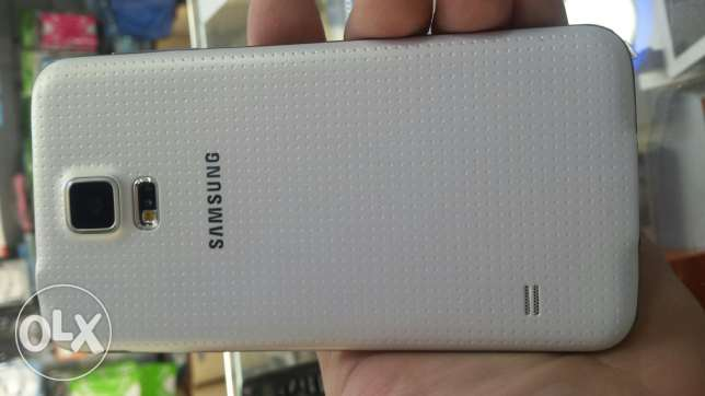 Samsung s5 white 16gb 4G used in very good condition for sale برج ابي حيدر -  2