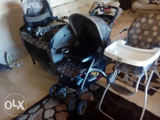 Park car seat and other for baby ضهر الصوان -  1