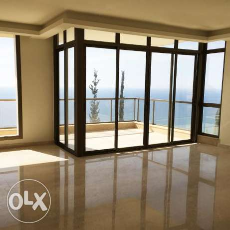 200sqm Luxurious Apartment with 120sqm Garden in Halat! Ref#Ha3431